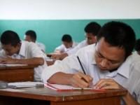 siswa-sma-saat-melaksanakan-ujian-nasional-_140519190625-575